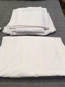 Queen white bedding!