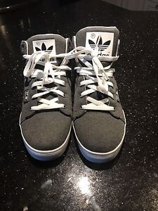 Men's shoes size 10