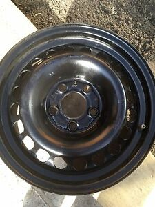 "4 metal rims 15"" from Mercedes Bans"