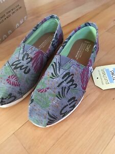 Brand New TOMS Shoes Size 6.5