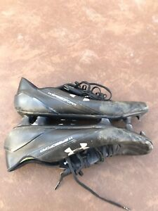 Under armour speedform soccer cleats 11.5