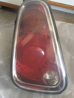 Mini Cooper left tail light