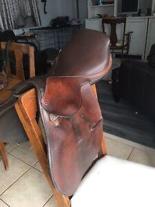 Campbell English saddle