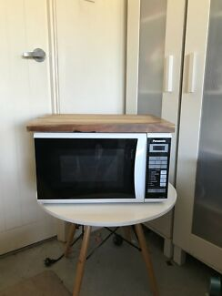 Panasonic Microwave and Chopping board