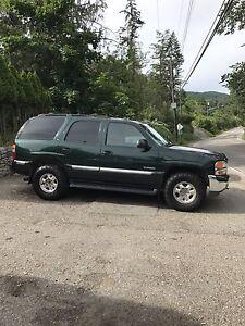 2001 Yukon 9 seater