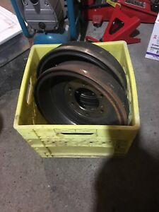 Brake drums, 2001 Nissan Frontier SE