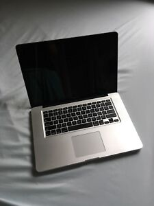 Macbook Pro 15-inch laptop i7 (Early 2011)