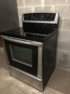 Whirlpool stainless steel stove - delivery possible