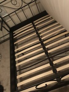 Iron bed,