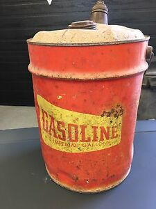 Réservoir de gasoline antique- vintage can