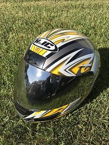 Casque de moto full face HJC