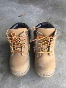 Toddler boots size 8 $10