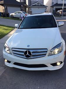 2008 Mercedes Benz C300 4Matic low kms