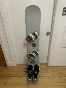 Snowboard 140 cm + botte gr 7 bonne condition