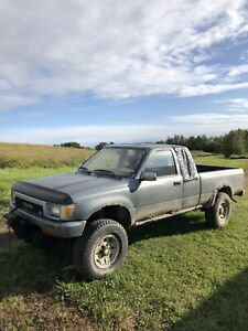 1990 Toyota pickup. Trade or sell