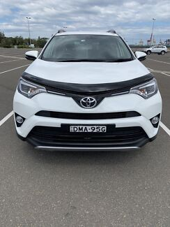 2017 Toyota RAV4 white Roselands Canterbury Area Preview