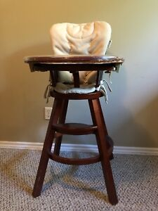 High chair - wood with removable tray