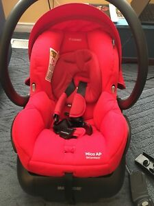 Maxi-Cosi car seat+ uppababy adapter