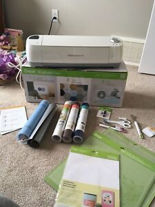 Like new Cricut Explore and accessories