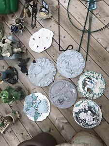 Garden decorations/ bird bath/ misc