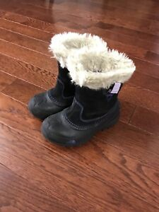 North Face girls boots size 13