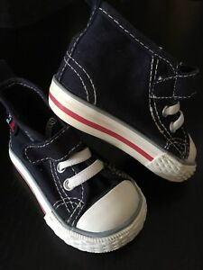 H&M Infant High Tops, Size 2 - EEUC