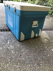 Large Esky Ice box cooler Engadine Sutherland Area Preview