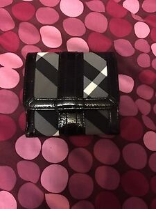 *Like New*Authentic Burberry Nova Check wallet