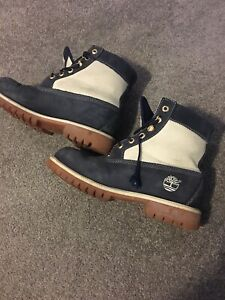 Timberland Blue and cream boots