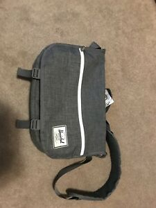 Hershel  dark grey messenger bag