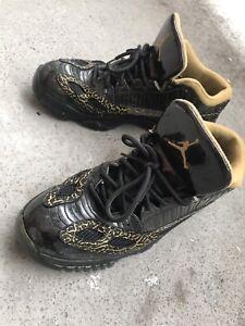 Jordan Low Cut 11s Size 10 (Black & Gold)