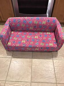 Little girls sleepover couch/bed