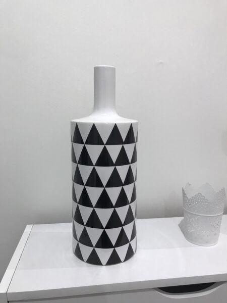 Triangle Black And White Vase Vases Bowls Gumtree Australia