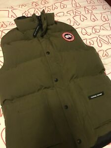 Canada Goose Freestyle Vest Military Green (XS)