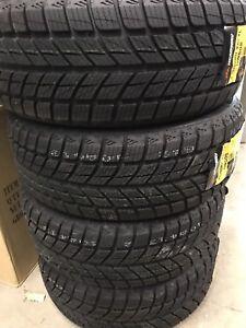 4 pneus d'hiver 205/50/17 headway neufs ,jamais posé