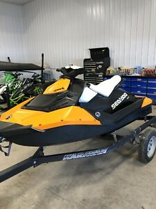 2015 sea doo spark 900 only 26 hours and IBR!!!!