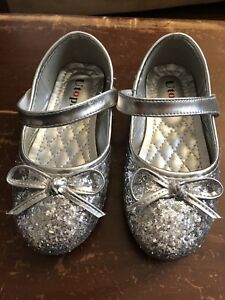 Girls shoes size 8-9