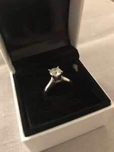 1.2 CT Engagement ring and wedding band set