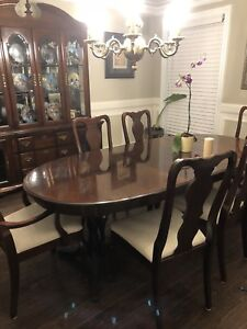 Dining tables with 6 chairs and hutch