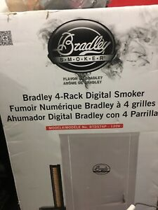 Digital Smoker and accessories NEW