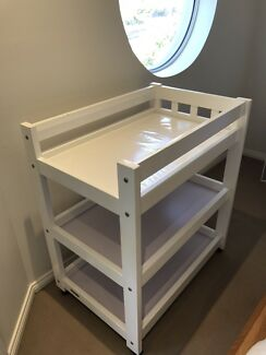 Grotime Change Table White - Very Sturdy - Excellent Quality!
