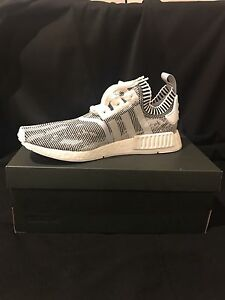 adidas NMD R1 PK Oreo 99Kicks Sneaker Releases