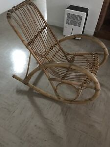 Chaise en bambou bercante