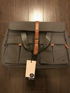 Laptop/messenger briefcase.