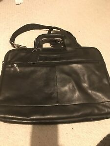 Kenneth Cole Reaction Leather Laptop/Tablet Bag