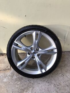 "Genuine FG FPV GTP 19"" Wheel & Dunlop Tyre"