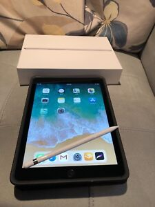 "APPLE IPAD 9.7"" 32 GB SPACE GREY + PENCIL + SURVIVOR CASE"