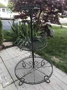 Metal 3 tiered stand