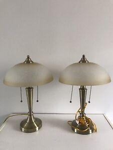 2 lampes de chevet et plafonnier