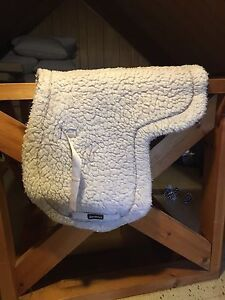Fitted saddle pad